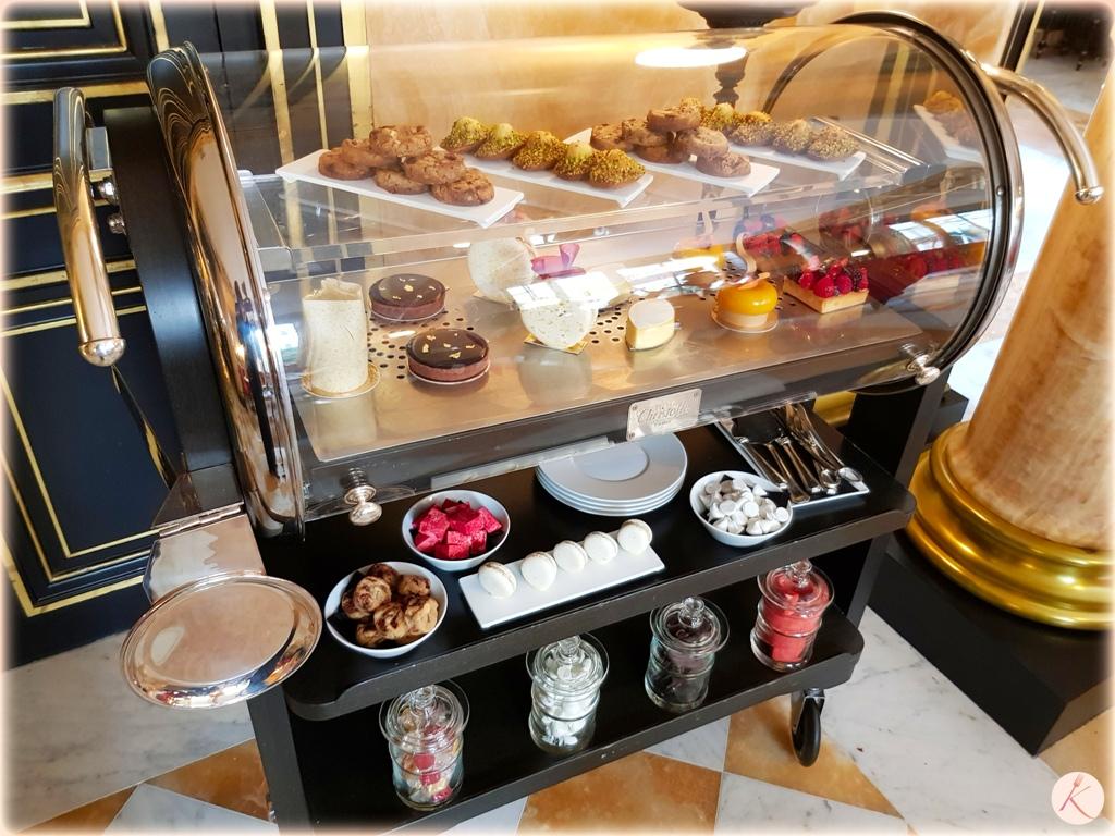 La Réserve Paris Hotel ans Spa tea time goûter gourmand